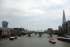 Walkie-Talkie, Southwark Bridge, London Bridge, Tower Bridge och The Shard från Millenium Bridge.