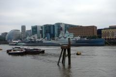 Museifartyget HMS Belfast på Themsen.