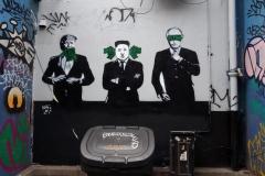 Denna graffiti-målning vid Ladbroke Grove station påbörjades i morse när jag drog iväg på min sightseeing och var färdig när jag kom tillbaka på kvällen!