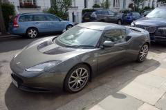 Sportbil av märket Lotus i Notting Hill.