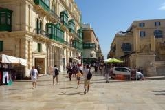 Triq ir-Repubblika innanför Valletta City Gate, Valletta.