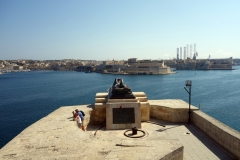 War siege Memorial, Valletta.