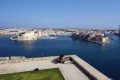 Vy över Vittoriosa och Senglea från Upper Barrakka Gardens, Valletta.