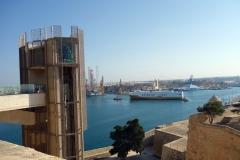 Barrakka Lift från Upper Barrakka Gardens, Valletta.
