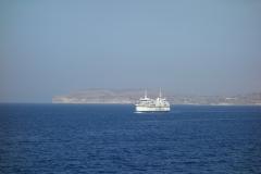 Gozo skymtar i bakgrunden.