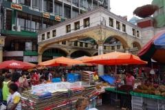 Vid Plaza Miranda, Quiapo, Manila.