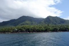 Vy mot Maripipi island från båten.