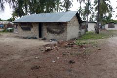Slutdestinationen för Dalla-Dalla 118 var centrala delen av byn Matemwe. Jag hade tre kilometer kvar till hotellet att promenera därifrån.