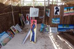 Konst i en hydda vid stranden, Matemwe, Unguja.