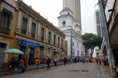 Basilica of Our Lady of Candelaria längst bort i bild,  Medellín.