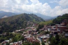 Utsikten från linbanan mellan station San Javier och station La Aurora, Medellín.