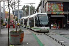 Ett tåg anländer till San Antonio station, Medellín.