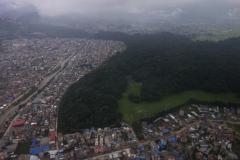 Vy över Katmandu från Summit Air flight SMA401 mellan Katmandu och Lukla.