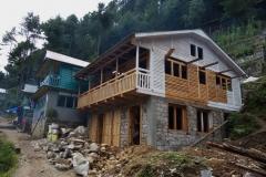 Återuppbyggnad efter jordbävningen 2015 längs leden mellan Phakding och Monjo.