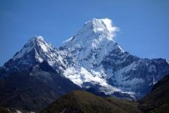 Ama Dablam (6812 m) från Pangboche (3930 m).
