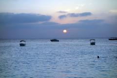 Förutom den vackraste stranden på ön får man även vackra solnedgångar på köpet på den västra sidan av Nungwi, Unguja.