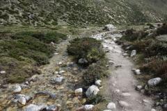 Den nästan torra Lobuche-floden alldeles ovanför Pheriche.