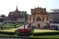 Banquet Hall till vänster i bild och Royal Treasury till höger i bild, Royal Palace, Phnom Penh.