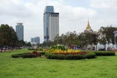 Skyskraporna OCIC Tower (Canadia Bank) till vänster och Vattanac Capital Tower till höger, Phnom Penh.