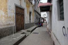 Efter bara några meters promenad  fängslas man av de charmiga gränderna, Stone Town (Zanzibar Town), Unguja.