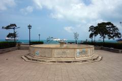 Torrlagd fontän längs strandpromenaden,  Stone Town (Zanzibar Town), Unguja.