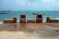 Minnesmärke längs strandpromenaden,  Stone Town (Zanzibar Town), Unguja.