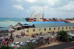 Utsikten över hamnen från balkongen på Old Dispensary, Stone Town (Zanzibar Town), Unguja.