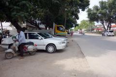 Gatuscen längs Benjamin Mkapa Road, Zanzibar Town, Unguja.