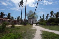 Här börjar det dyka upp en del bostadshus. Jambiani har runt 8000 invånare.