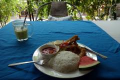 Friterad bläckfisk med ris, Jambiani.