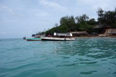 Ankomst till Prison Island. Jag kunde inte fotografera under båtresan då den höga sjön gjorde att det stänkte vatten hela tiden.