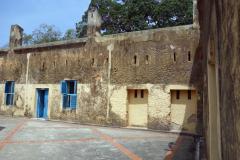 Innergården till det fängelsekomplex som finns på ön som aldrig kom att ha några fångar. Däremot så användes detta som en karantänstation för folk som kunde misstänkas ha gula febern, Prison Island.