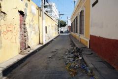 Sliten gata i centrala Santa Marta.