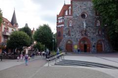 Den katolska kyrkan vid huvudgatan Bohaterów Monte Cassino, Sopot.