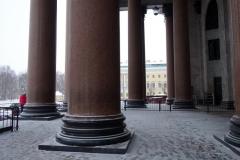 Några av de 48 enorma pelare som är tillverkade av finländsk pyterlahtigranit.  St. Isaac's Cathedral, Sankt Petersburg.