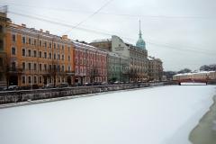 Scen längs Mojka-kanalen, Sankt Petersburg.
