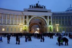 Palatstorget med Generalstabsbyggnaden i bakgrunden, Sankt Petersburg.