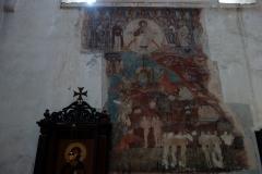 Interiören i den ena kyrkan i Ananuri-fortet.