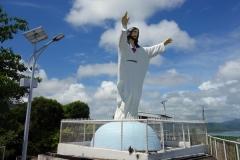 Jesusstatyn uppe på Cavalry Hill, Tacloban.