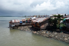 Bostadsområde vid havet i centrala Tacloban.