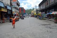 Gatuscen i centrala Tacloban.