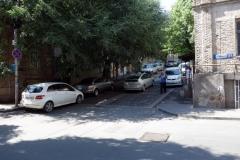 Gatuscen längs gatan jag bor, Tbilisi.