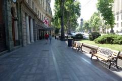 Gatuscen längs Rustaveliavenyn, Tbilisi.