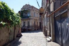 Gammal vacker arkitektur i behov av renovering, Tbilisi.