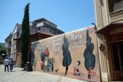 Graffiti längs vackra Ioane Shavteli St, Tbilisi.