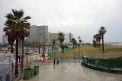 Charles Clore Park längs vattnet i centrala Tel Aviv.