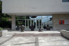 Del av landets viktigaste konstgalleri (Galeria Kombëtare e Arteve), Tirana.