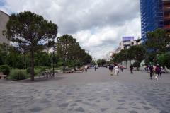 Promenadstråket vid Tirana International Hotel, Skanderbeg Square, Tirana.