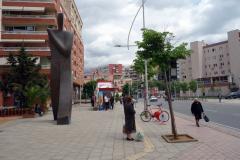 Gatsucen längs Rruga Urani Pano, Tirana.