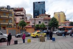 Arkitekturen längs Rruga e Dibrës, Tirana.